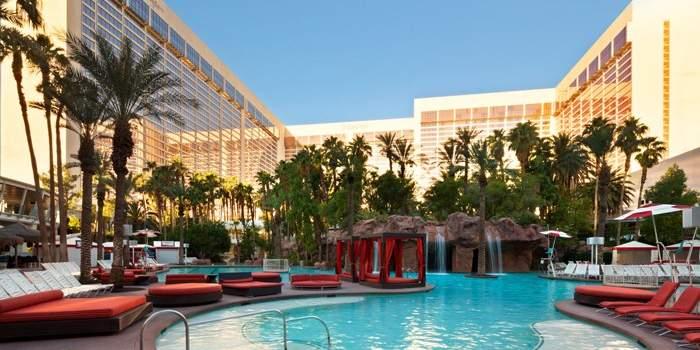 Best Family Pools in Las Vegas